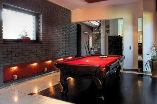Professional pool table movers in Glendale content img1